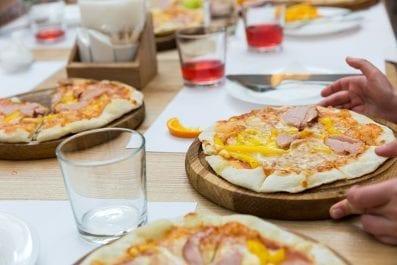 PIZZA (Ricetta e Procedimento – Lievitazione in Frigo 4°)